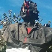 Il y a de cela trente ans Christophe Colomb fut déchouqué et jeté à la mer…
