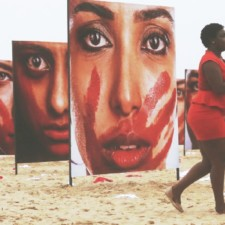 Un Ministre indien propose aux 92 femmes violées par jour de recouvrir leurs jambes