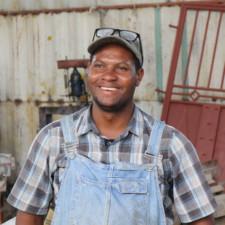 Avec peu, ce jeune entrepreneur démarre son entreprise à Ona-Ville
