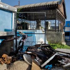 Un photographe expose la vie au cimetière de Port-au-Prince